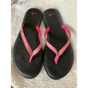 Sanuk Pink and Black Yoga flip flops sz 9